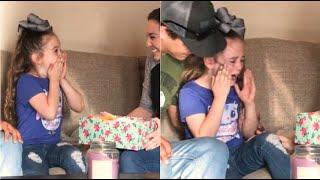 """""""Presto diventerai sorella maggiore"""": la reazione di questa bambina è una lezione d'amore"""
