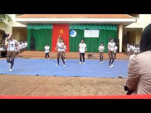 nhảy erobic-lớp 11a9-trường thpt lý tự trọng-daklak. năm 2012