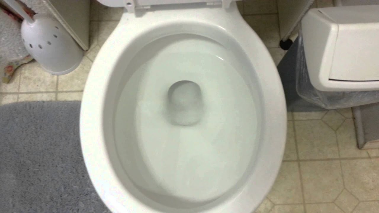 44. 1967-1975 Kohler wellworth toilet at a friends house - YouTube
