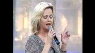 Watch Vicki Yohe Something About My Praise video