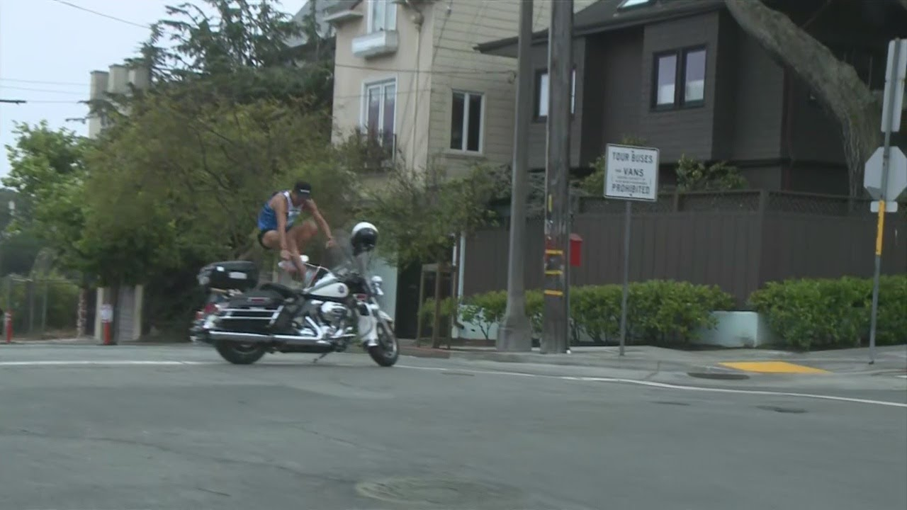 San Francisco Motorcycle >> Biofreeze San Francisco Marathon Jose Maravilla Leaps A Motorcycle