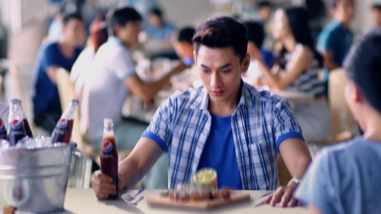 """Pepsi Emoji – """"Uống Pepsi, ăn mới đã"""" bạn đã thử chưa?"""