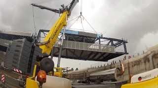 Regional Rail Link: Wyndham Vale Railway Station - Pedestrian Bridge Installation