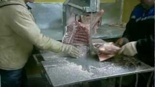 Станок  для резки  мясных туш(Купил оленины и попросил нарезать на станке. Вот весь процесс., 2013-03-12T00:21:17.000Z)