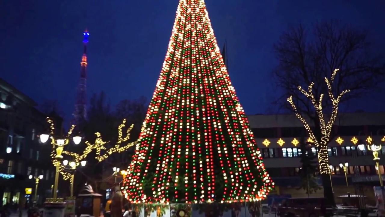 Коли у Івано-Франківську урочисто засвітять головну ялинку міста