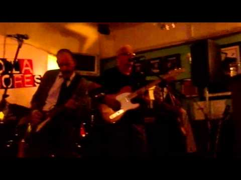 Billy Watson.TV - The Media Whores - Grangemouth Tavern 2