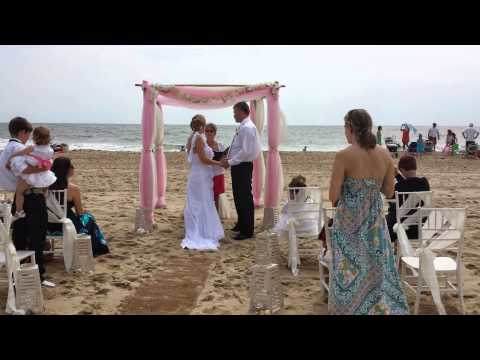 Barefoot Bride Ocean City Md Beach Weddings Seashells Amp Pearls In Pink