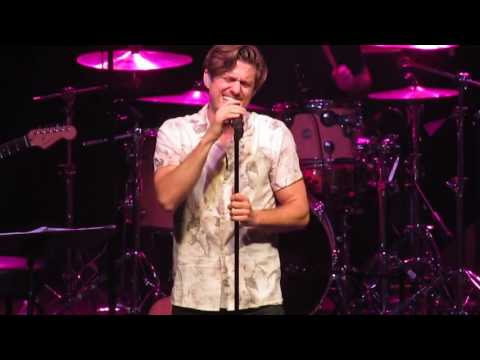 Somebody to Love - Aaron Tveit (Paramount, Huntington NY) 2/25/17