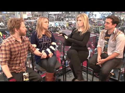 SETH GREEN And CLARE GRANT Preview New Season of ROBOT CHICKEN @ NYCC2013 | Video