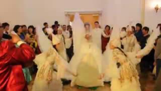оригинальный свадебный вывод  жениха и невесты в цветке на свадьбу в павлодаре новинка в 2017