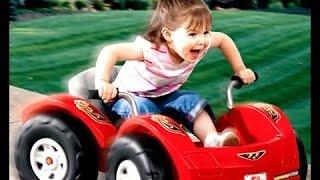 Дети и Малыши Катаются на Машинках! Сборник 2 2016 [NEW!](Мальчик и девочка катаются на машинке., 2016-02-12T08:04:55.000Z)