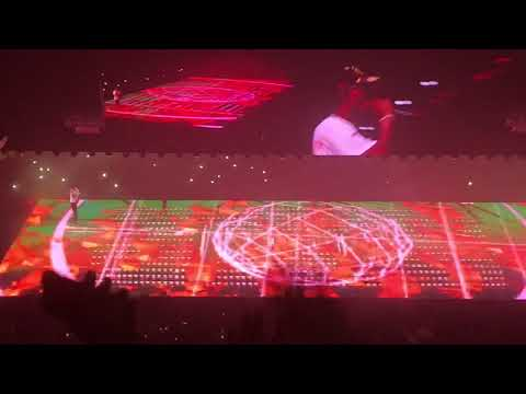 Drake Performs Sicko Mode With Travis Scott Plus Goosebumps At MSG - August 28, 2018