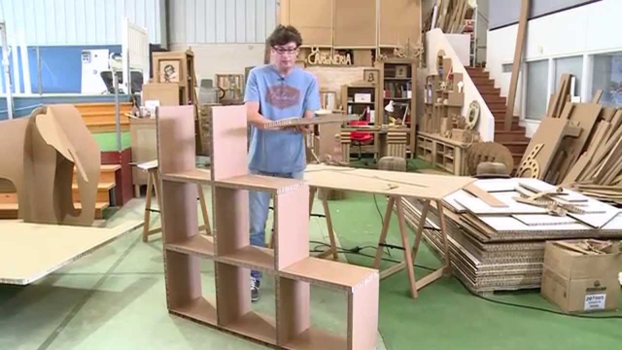 Elaboraci n de una estanter a de cart n youtube - Muebles en carton ...