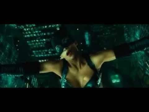 Catwoman 2004 Catwoman Vs Laurel Hedare Youtube