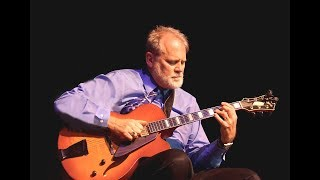 "Dave Lincoln  -  ""Tenderly""  (Jazz Guitar)"
