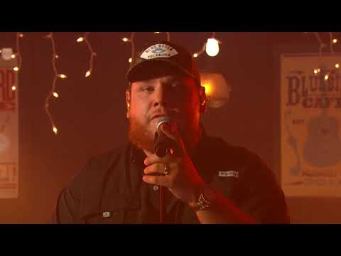 Luke-Combs-Better-Together-Live-From-the-55th-ACM-Awards