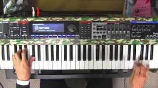 演奏しました。音とるのが大変でした。右手のベルの音は鍵盤数が足りな...