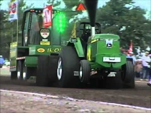 Throwback Thursday: Pro Stock Tractors at Bowling Green, OH (8/18/07)