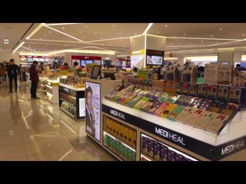 The Moodie Davitt Store Watch: Shinsegae Duty Free, Seoul