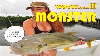 Amazing...Cewek Cantik Mencari Ikan di Sungai dapat ikan Monster