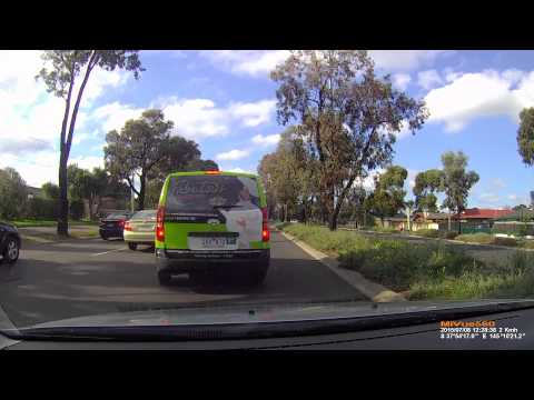 Car Accident on Ferntree Gully Rd, Wheelers Hill