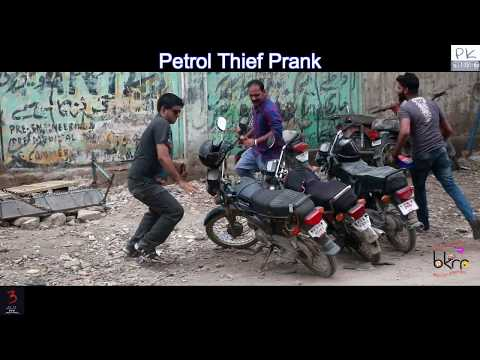 Funny Prank | Petrol Thief Prank | Aamir Baba & Shakeel Ahmed | Bach Ke Rehna Re
