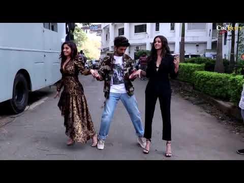 """pati-patni-aur-woh""-movie-promotion-at-indian-idol-11-|-full-event"