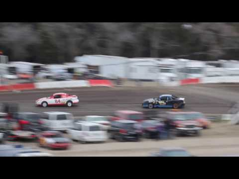 BEATRICE SPEEDWAY COMPACT HEAT RACE 3/13/2017