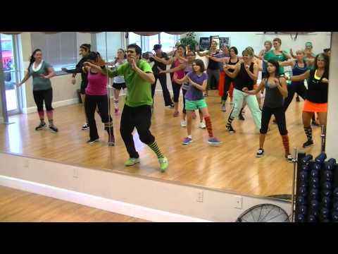 Rompe La Cintura - Alexis y Fido - Dance Fitness Class w/ Bradley Crazy Sock TV