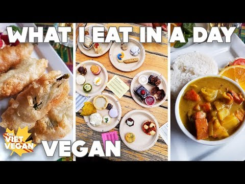 What I Eat In A Day // Yoga, Vegan Bake Off & Friends