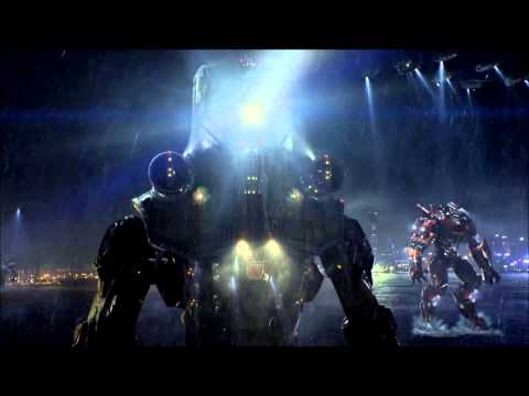Pacific Rim: Chicks Dig Giant Robots