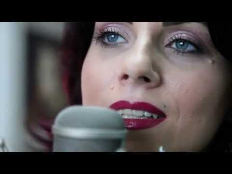 Feeling Good - Nina Simone - cover by Medéa B