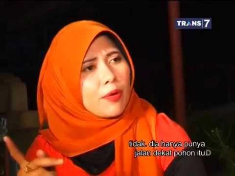 Dua Dunia Eps. Selasa, 26 Agustus 2014 • Gangguan Perempuan Berbaju Merah Full thumbnail