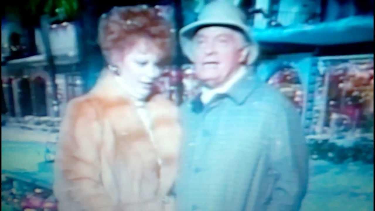 Reba McEntire & Bob Hope Sing Silver Bells
