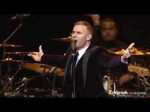 Take That's Gary Barlow sings for Royals