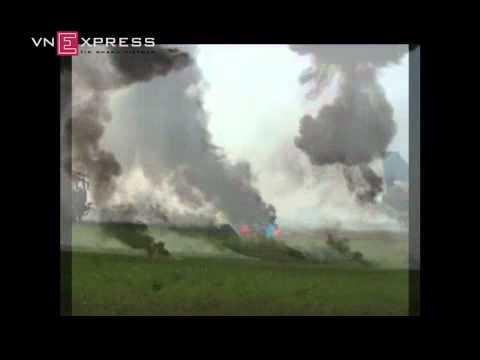VIETbuyer   Máy bay cháy trong kịch bản diễn tập   May bay chay trong kich ban dien tap