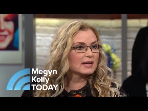 Meet The Woman Investigating Cold Case Murders From Her Couch  Megyn Kelly TODAY