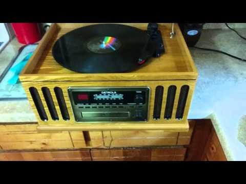 Detrola KM837 CD, Phono, Cassette, AM FM Music Center