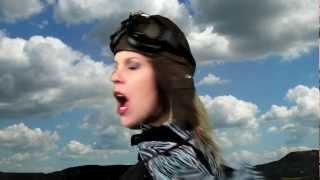 LES AVIATEURS CAPSULE 1 Amelia Earhart