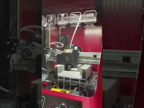 3Dプリンターで3Dプリンターを作る動画