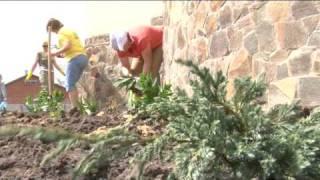 Озеленение Территории Храма Александра Невского(, 2010-07-19T10:47:36.000Z)