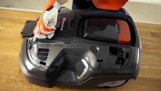 How to change the top cover of a Husqvarna Automower®