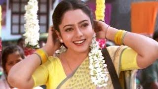 Gopala Gopala Venkatesh Sing A Song On Road...