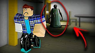 I TURNED TO GRANNY IN ROBLOX AND I CAUGHT MY FRIENDS!