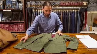 Een groen Mohair pak en een Merlot rood flannel pak, die draag je als je durft.