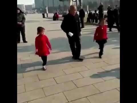 Dance To Ric Flair Drip - Chinese man and 2 daughters