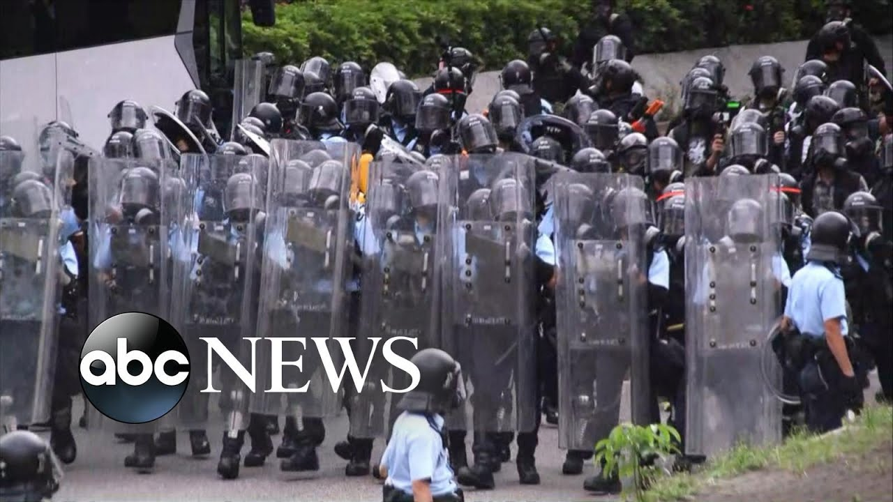 ABC News:Police fire tear gas at Hong Kong protesters