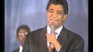 الموسيقار محمد وردي - ياسلام منك انا آه  - حفل القاهرة - تقديم ليلى المغربي