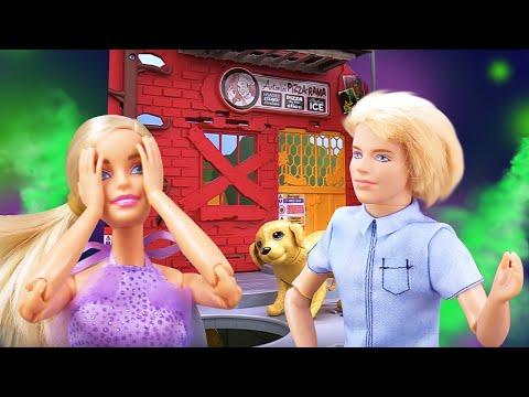 Видео про куклы. Собака Барби спасла из жутковатого места. Игрушки для девочек