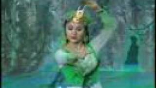 Download Uyghur Dance - Nice Scenery  春光好 MP3 song and Music Video